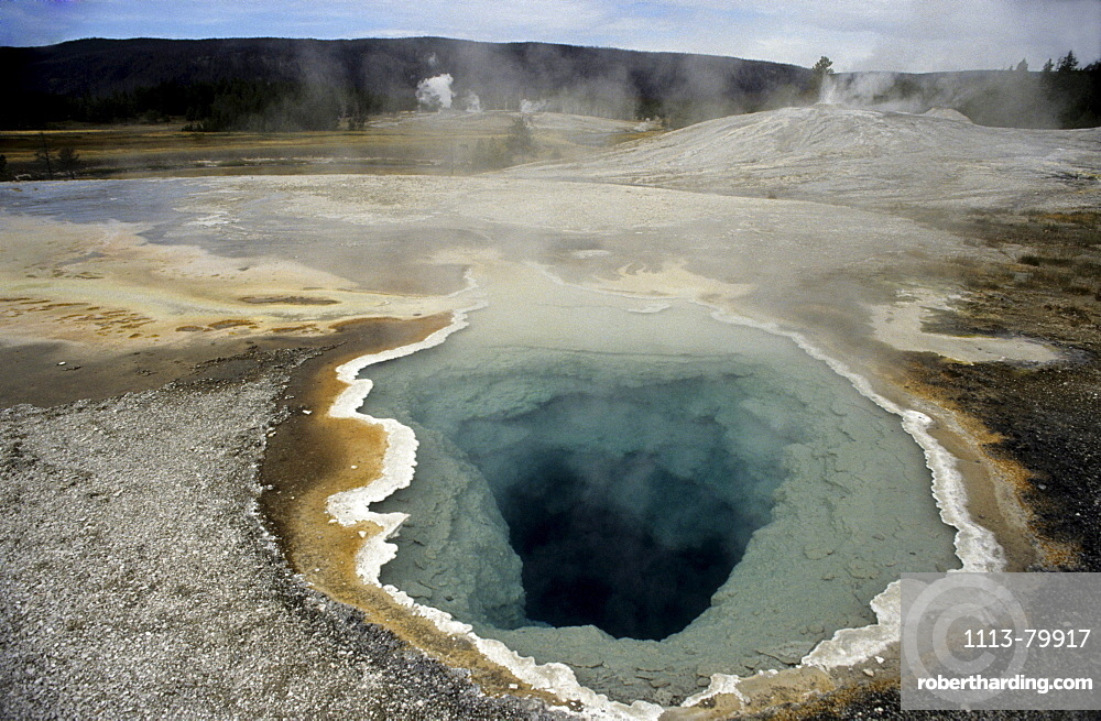 Hot spring with crystal rim, Yellowstone National Park, Wyoming, US