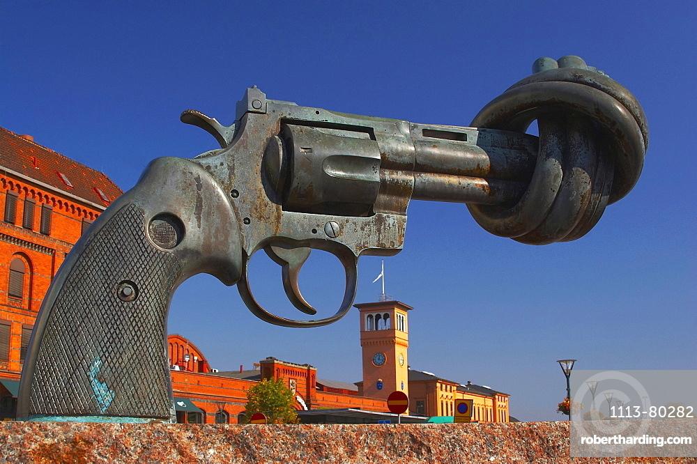 Sweden, Malmoe, sculpture Non-Violence by Carl-Fredric Reuterswaerd