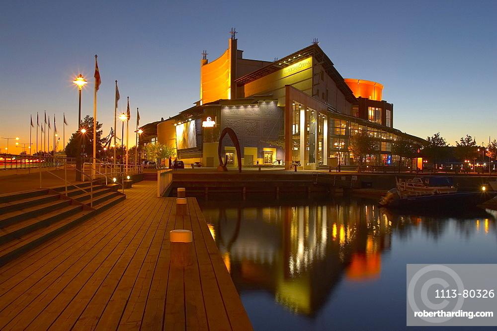 View at Goeteborgs Operan Opera at the harbour Lilla Bommens Hamn at sunset, Goeteborg, Sweden