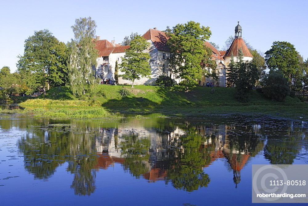 Jaunpils, castle Neuenburg