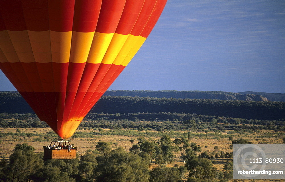 Ballooning near Alice Springs in the morning, Central Australia, Northern Territory, Australien