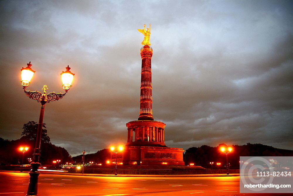 Street light and Victory Column, Berlin, Germany