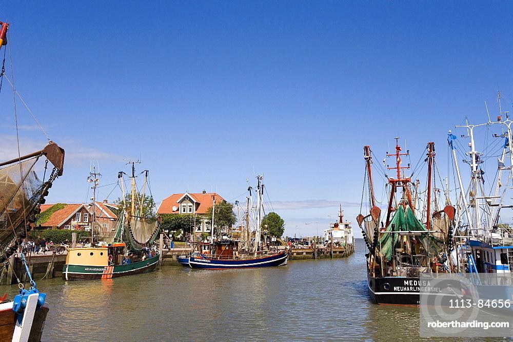 Harbour, Neuharlingersiel, East Frisia, North Sea, Lower Saxony, Germany