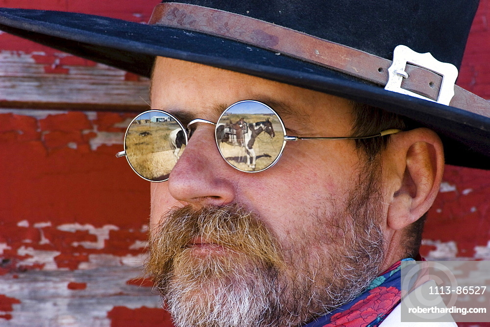 cowboy horse reflecting in sunglasses, wildwest, Oregon, USA
