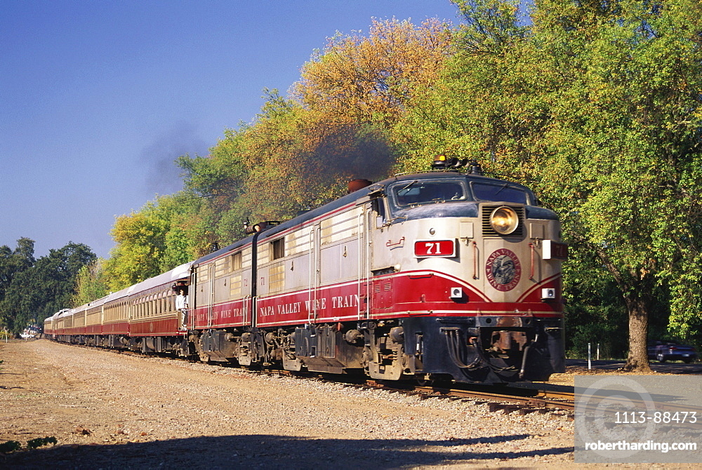 Wine Train, Rutherford, Napa Valley, California, USA