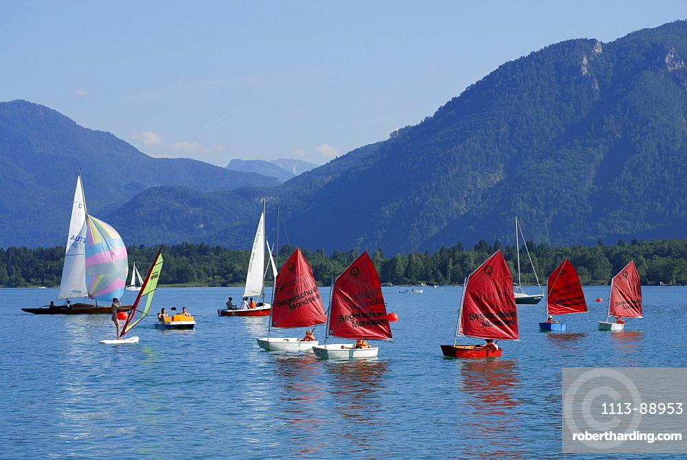 sailing boats on lake Mondsee, Salzkammergut, Salzburg, Austria