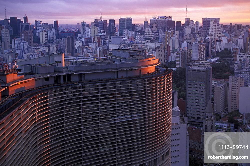 Edificio Copan and skyscrapers in background, Sao Paulo, Sao Paulo State, Brazil
