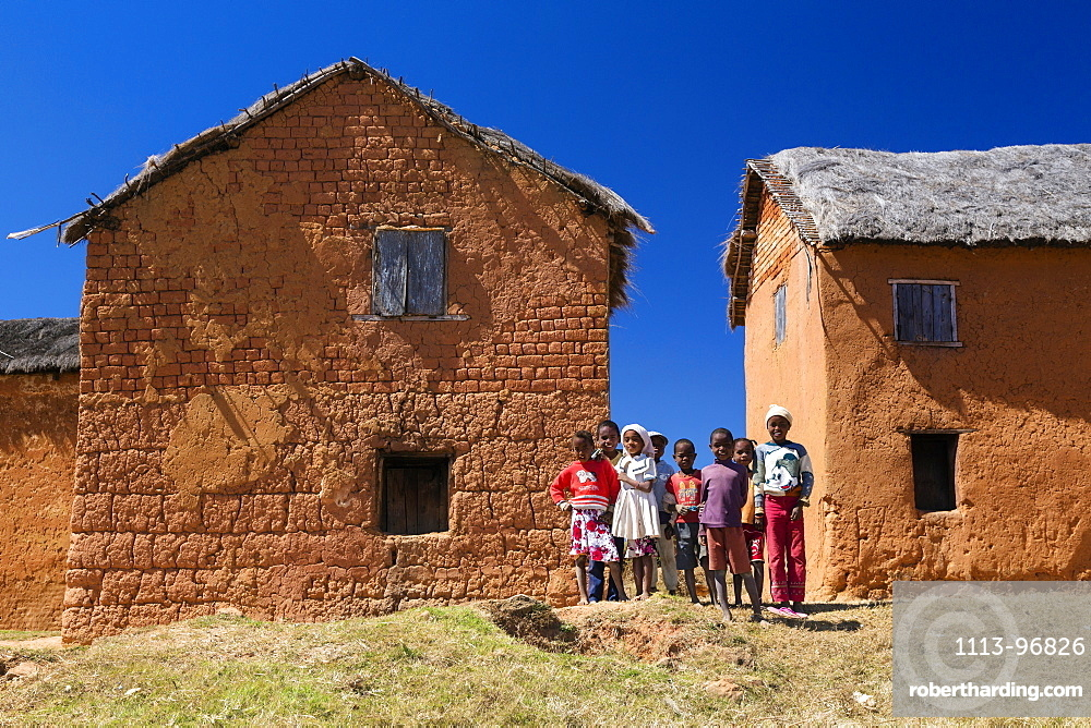 Children and houses west of Antananarivo, Merina people, Madagascar, Africa