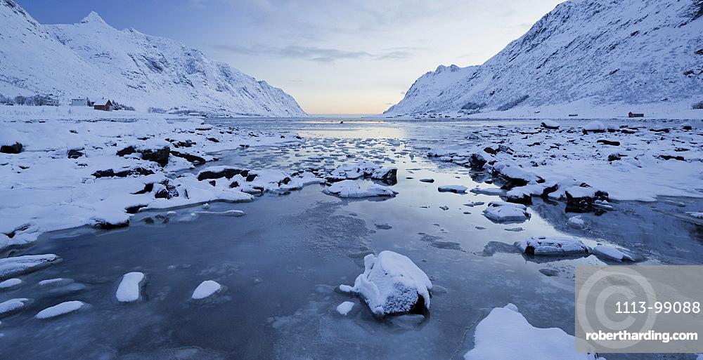 Indre Skjelfjorden, Flakstadoya, Lofoten, Nordland, Norway