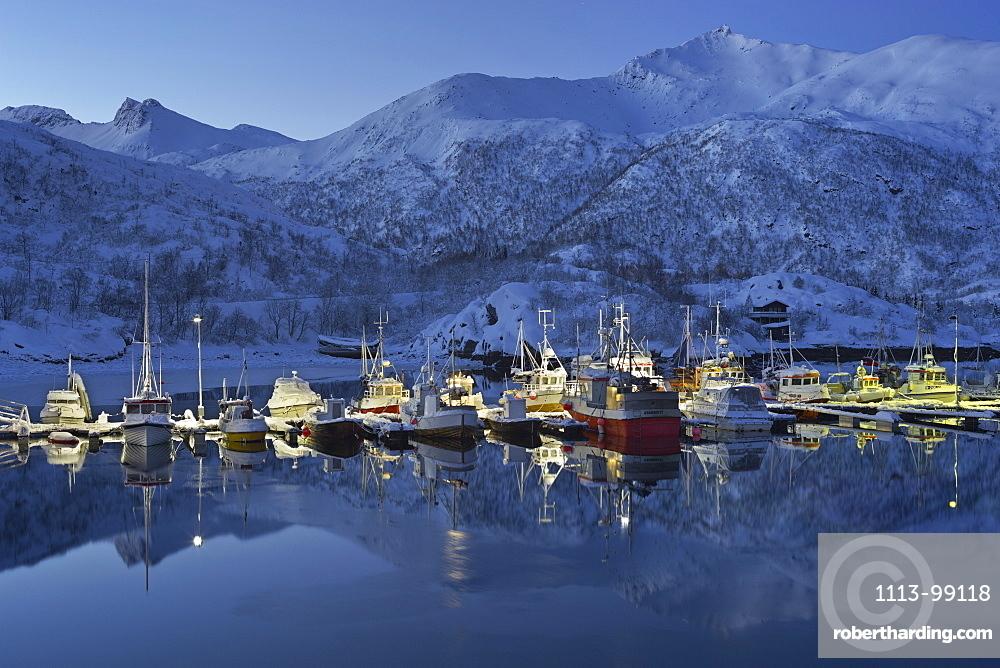 Sildpollneset harbour, Vestpollen, Austnesfjorden, Austvagoya, Lofoten, Nordland, Norway