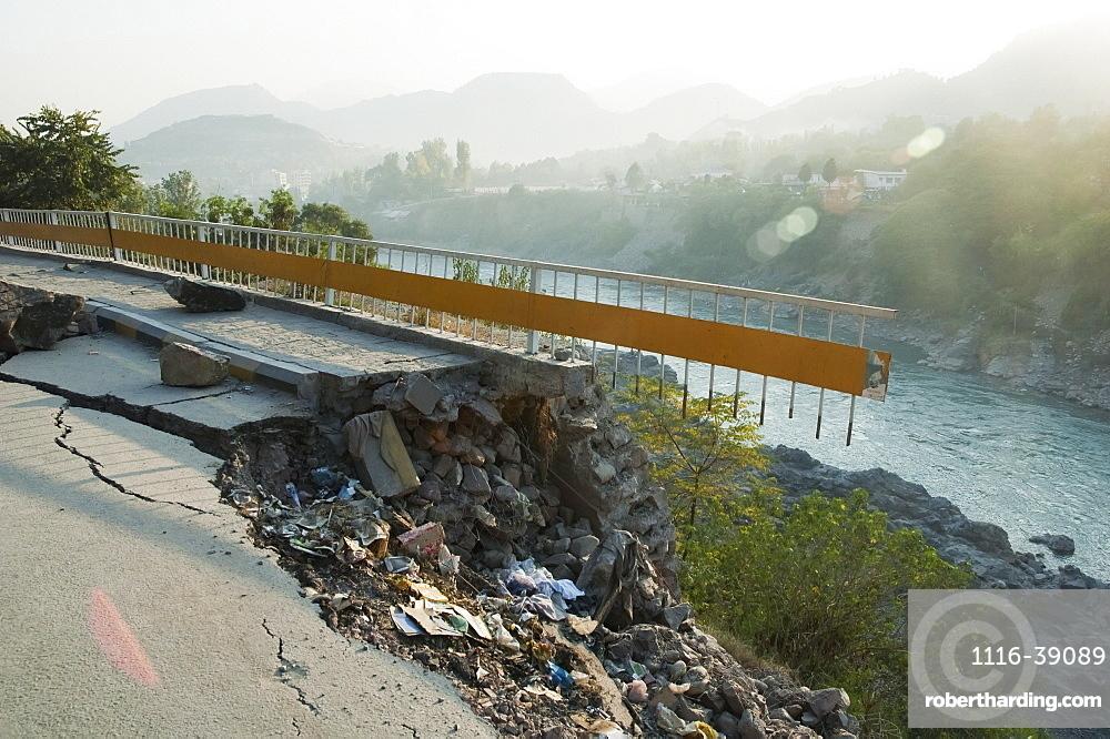 Highway Damaged By The 8 October 2005 Earthquake, Muzaffarabad, Azad Kashmir, Pakistan