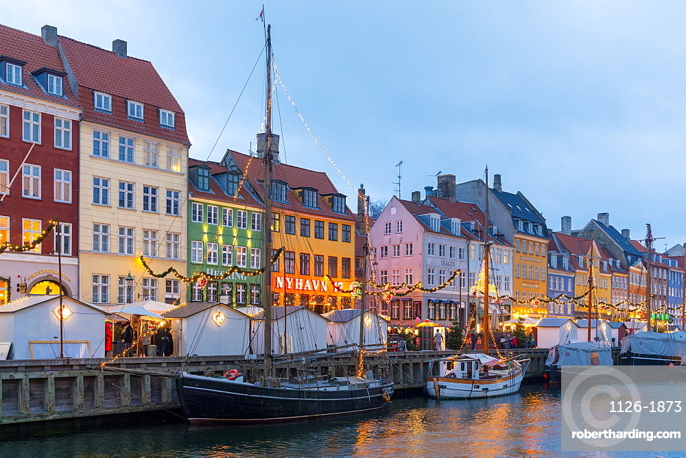 Christmas Market in Nyhavn, Copenhagen, Denmark, Scandinavia, Europe