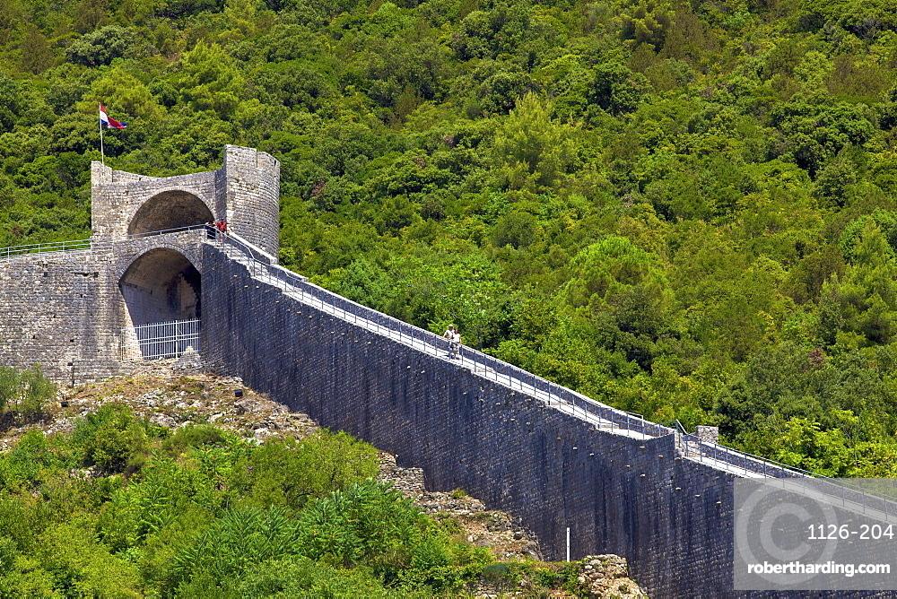Walls of Ston, Ston, Dalmatia, Croatia, Europe