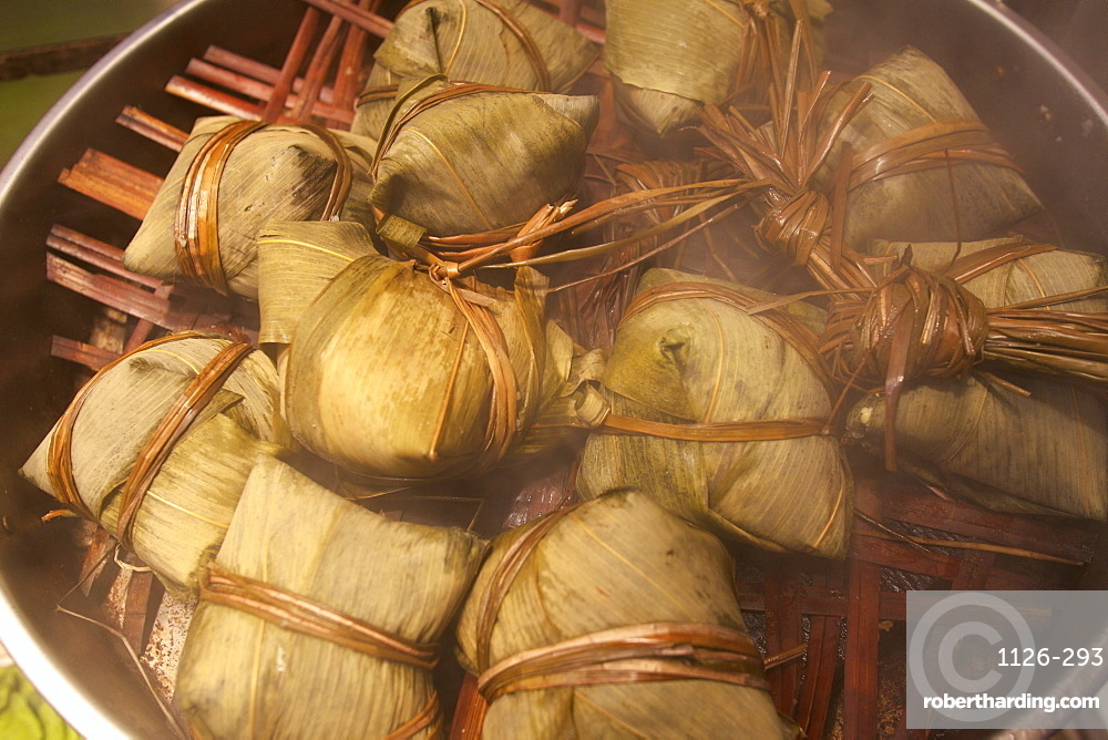 Steamed rice dumpling in lotus leaf, Hong Kong, China, Asia