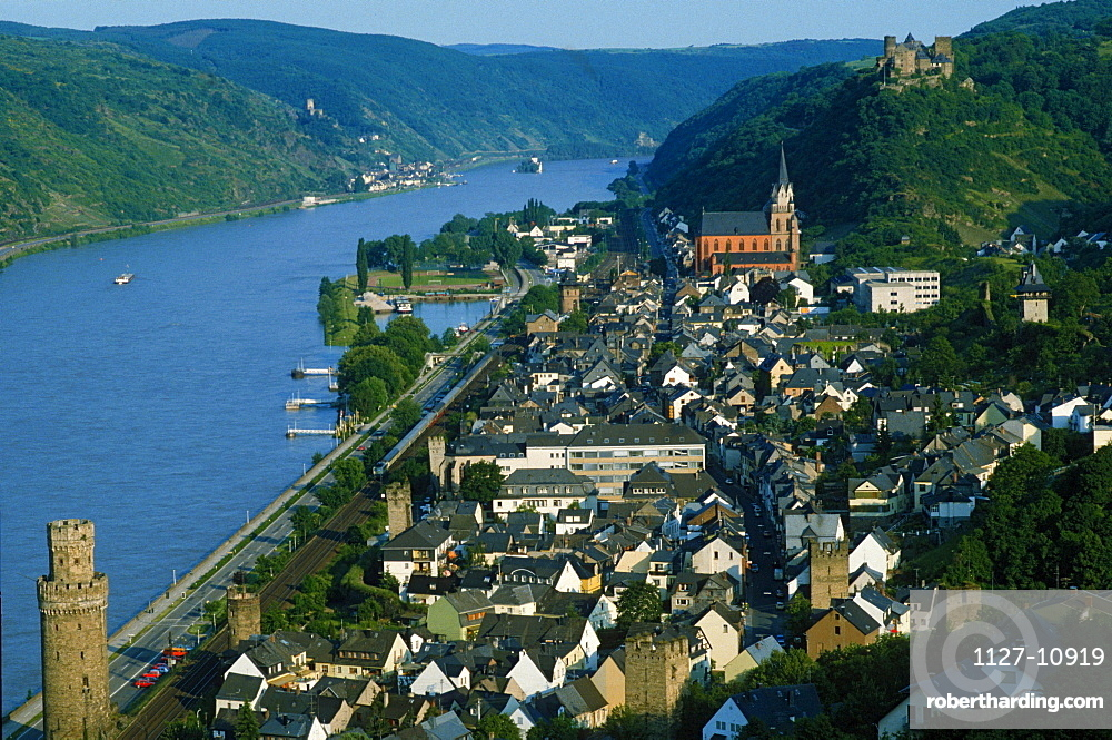 View on Oberwesel with Red Church and river Rhine, Oberwesel, Rhineland-Palatinate, Germany