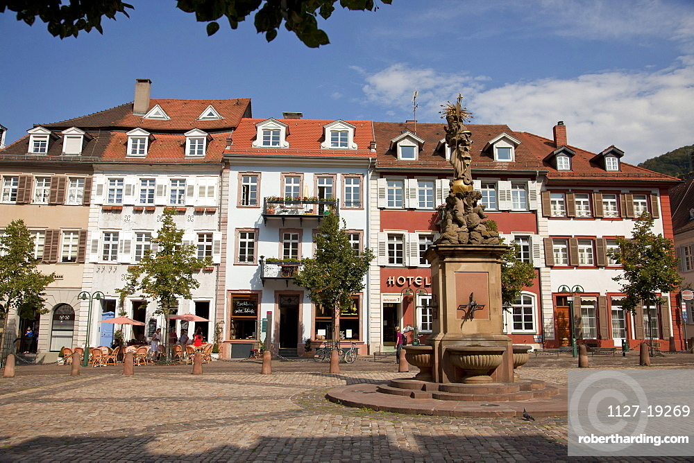 The Kornmarkt (Corn Market), market square with Madonna statue, old part of town, Heidelberg, Baden-Wuerttemberg, Germany