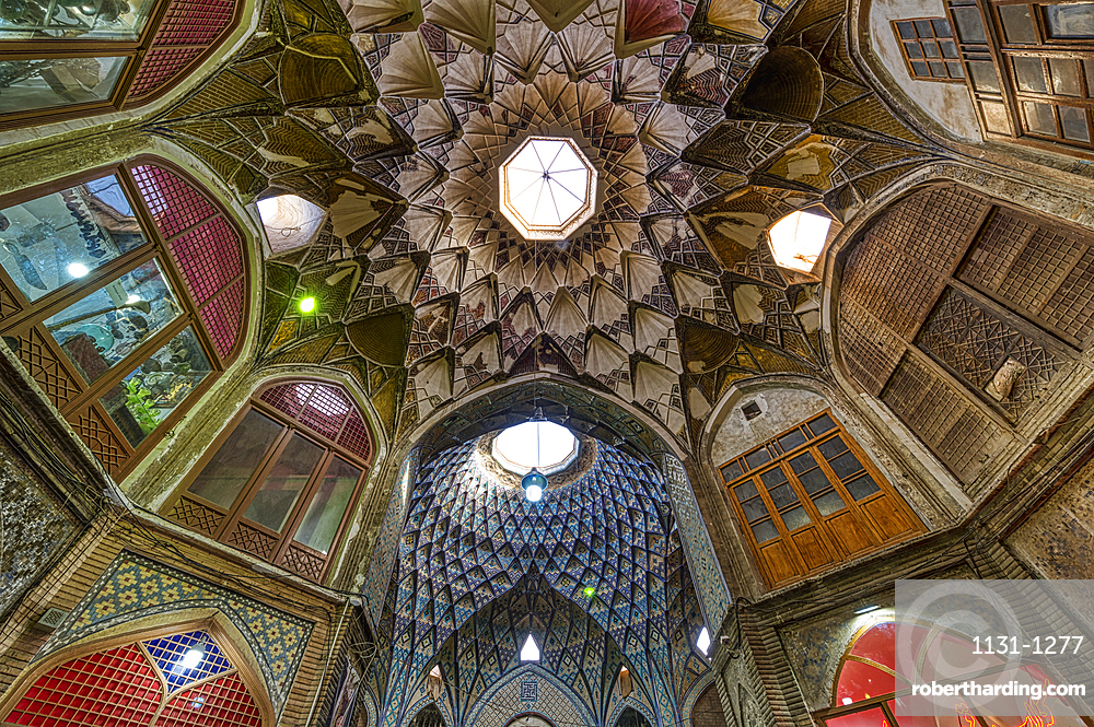 Central square with Khan Amin al-Dowleh Timche dome, Old Kashan bazaar, Isfahan Province, Islamic Republic of Iran, Middle East