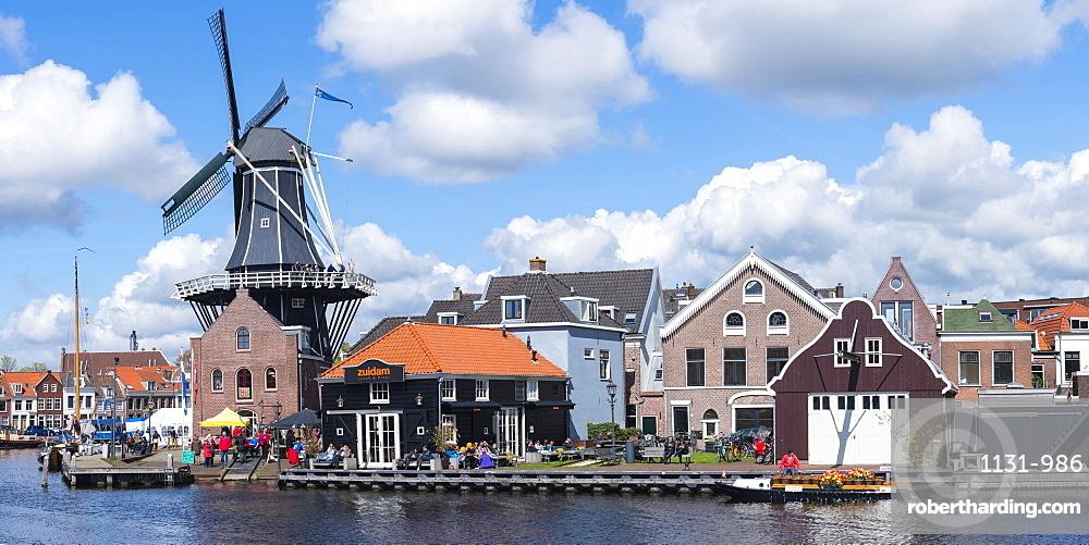 De Adriaan windmill along the river Spaarne, Haarlem, North Holland, The Netherlands, Europe