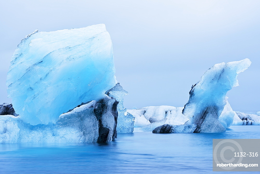 Icebergs floating on Jokulsarlon Glacial Lagoon, Iceland, Polar Regions