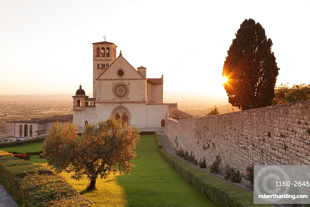 Basilica of San Francesco, UNESCO World Heritage Site, Assisi, Perugia District, Umbria, Italy, Europe