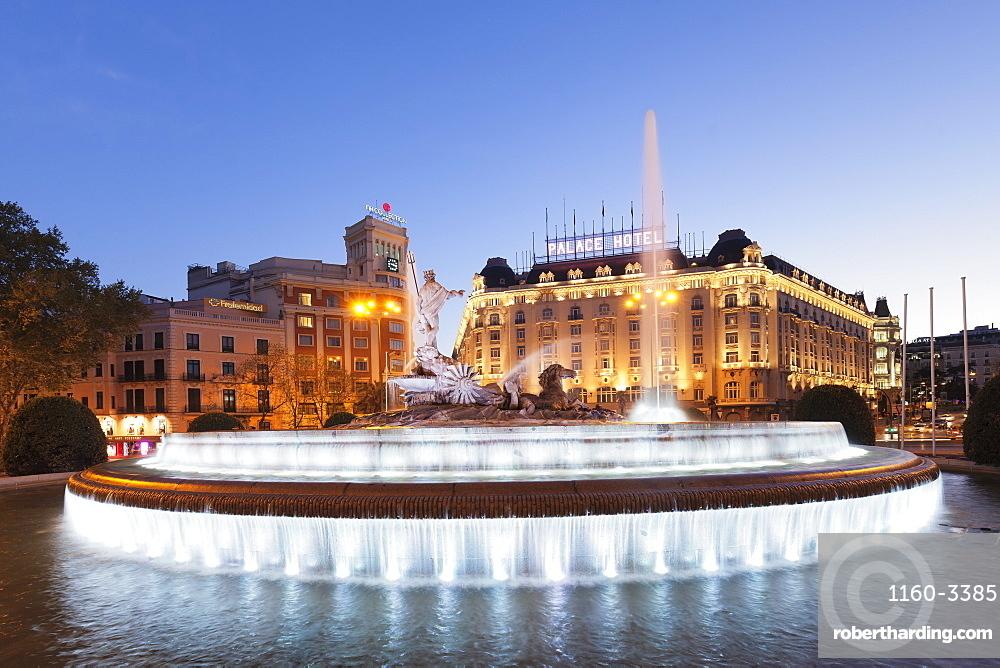 Fuente de Neptuno fountain, Plaza de Canovas del Castillo, Palace Hotel, Madrid, Spain, Europe
