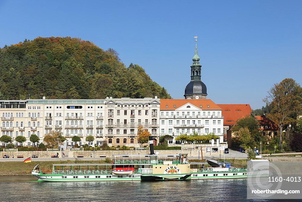 Historical Paddlestreamer on Elbe River, Bad Schandau, Elbsandstein Mountains, Saxony Switzerland, Saxony, Germany, Europe