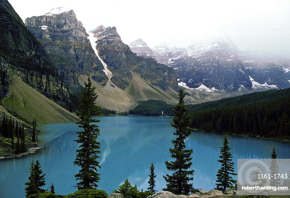 Moraine Lake In Banff National Stock Photo