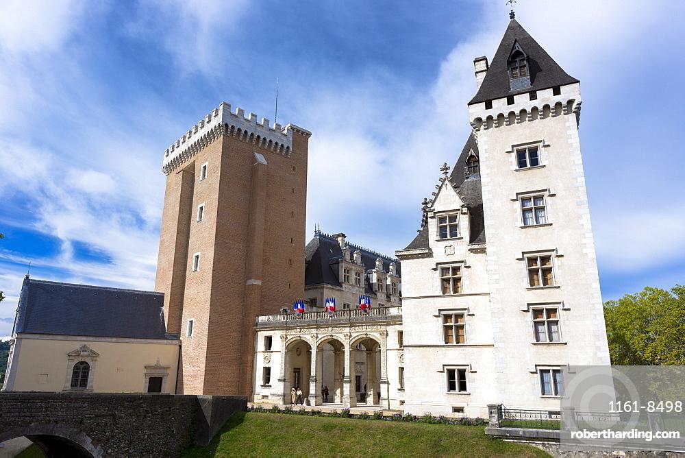 Chateau de Pau in the old historic quarter of Pau, Pyrenees, France, Europe