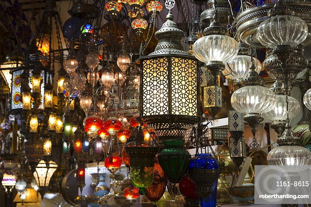 Traditional Turkish ornate lanterns in The Grand Bazaar (Great Bazaar) (Kapali Carsi), Beyazi, Istanbul, Turkey, Europe