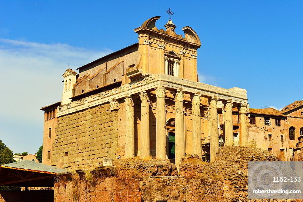 Antonio and Faustina Temple, Roman Forum, UNESCO World Heritage Site, Rome, Lazio, Italy, Europe
