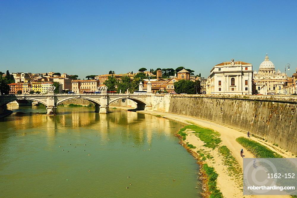 River Tiber, Rome, Lazio, Italy, Europe