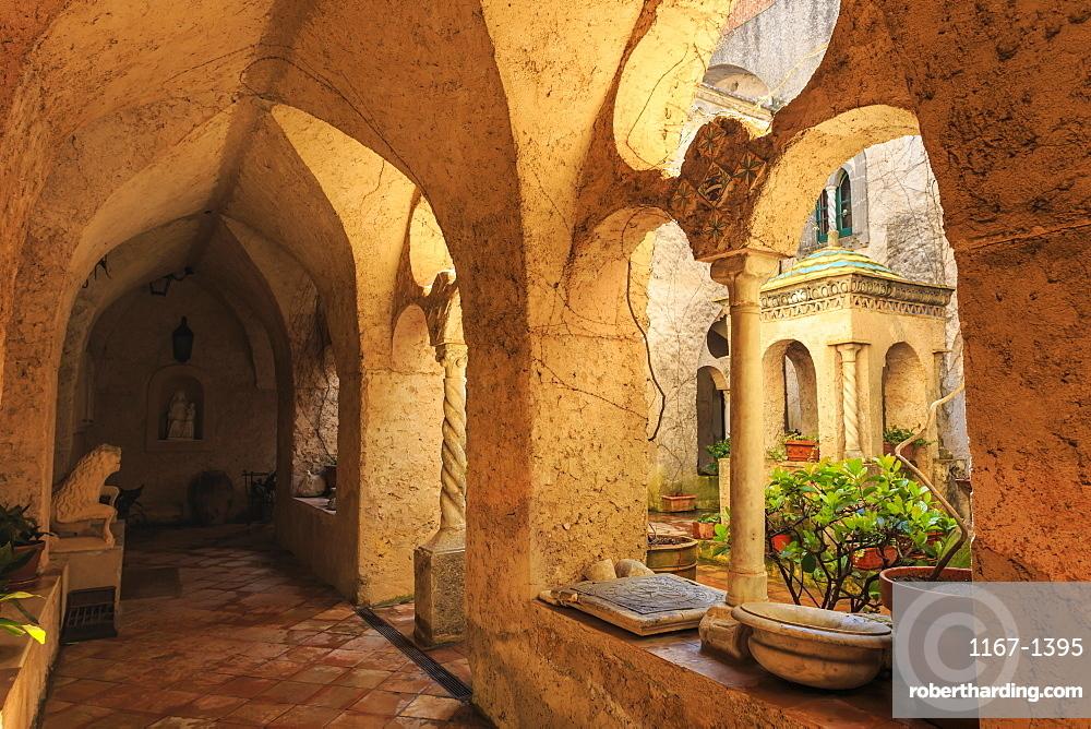 Cloister, stunning Garden of Villa Cimbrone in spring, Ravello, Amalfi Coast, UNESCO World Heritage Site, Campania, Italy, Europe