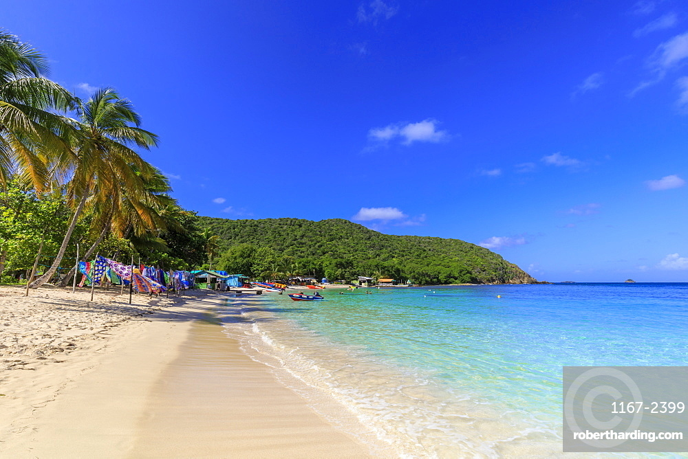Saltwhistle Bay, beautiful white sand beach, turquoise sea, palm trees, Mayreau, Grenadines, St. Vincent and The Grenadines, Windward Islands, West Indies, Caribbean, Central America
