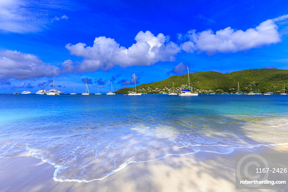 Quiet Caribbean, beach, turquoise sea, beautiful Port Elizabeth, Admiralty Bay, Bequia, The Grenadines, St. Vincent and the Grenadines, Windward Islands, West Indies, Caribbean, Central America
