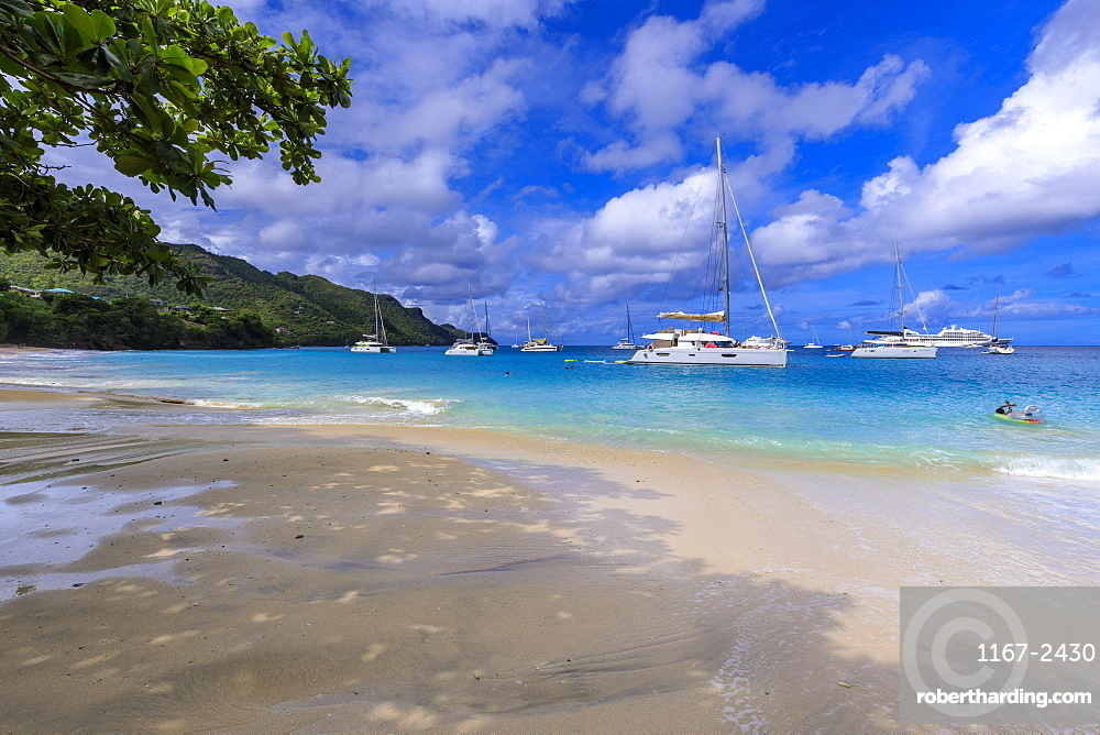 Beautiful Princess Margaret Beach, Port Elizabeth, Admiralty Bay, Bequia, The Grenadines, St. Vincent and the Grenadines, Windward Islands, West Indies, Caribbean, Central America