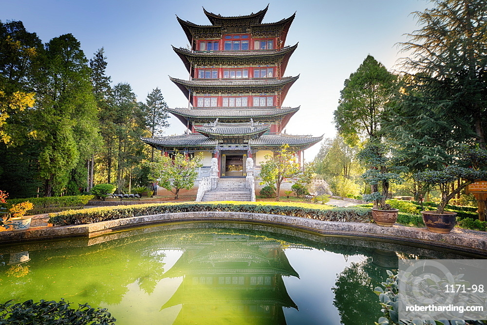Pavilion of Everlasting Clarity with emerald pool, Lijiang, Yunnan, China, Asia
