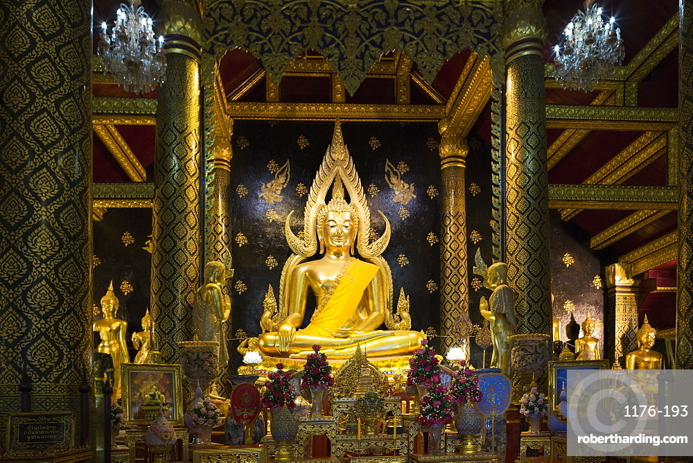 The sacred Phra Buddha Chinnarat Buddha in the temple of Wat Phra Si Rattana Mahathat Woramahawihan (Wat Yai) in Phitsanulok, Thailand, Southeast Asia, Asia