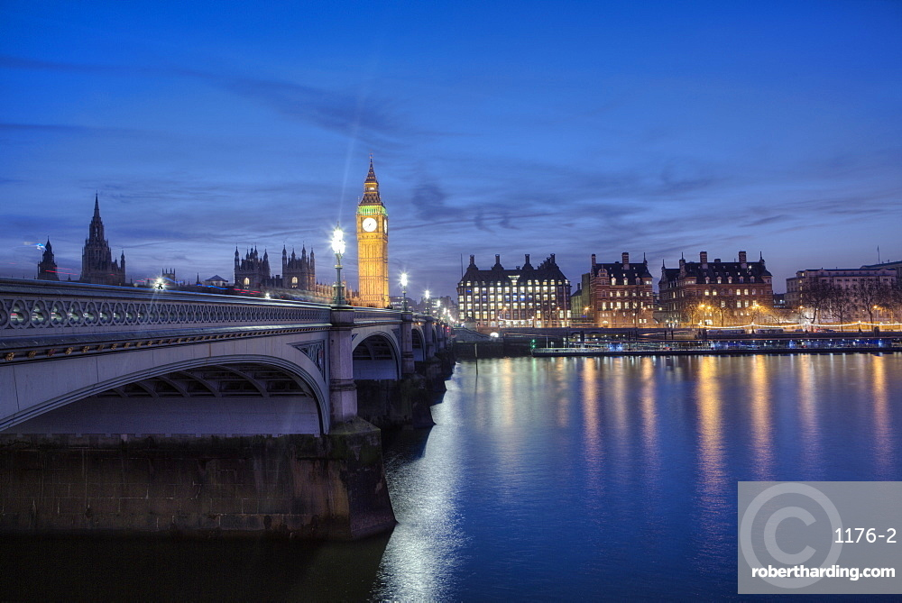 Westminster Bridge, River Thames and the Houses of Parliament, London, England, United Kingdom, Europe