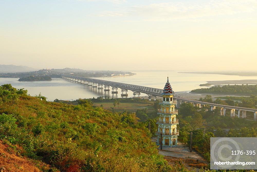 Views over the Thanlwin (Salween) river and Mawlamyine bridge and town, Mawlamyine, Mon, Myanmar (Burma), Southeast Asia