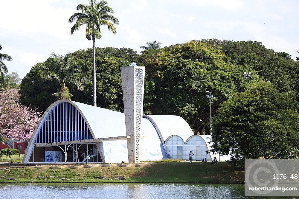 The church of Sao Francisco (St. Francis of Assisi) by Oscar Niemeyer, Pampulha, Belo Horizonte, Minas Gerais, Brazil, South America