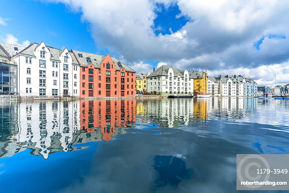 Art Nouveau styled houses mirrored in Brosundet canal, Alesund, More og Romsdal county, Norway, Scandinavia, Europe