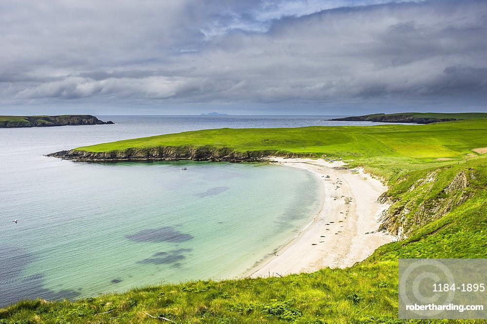 White sand beach near Scousburgh, Shetland Islands, Scotland, United Kingdom, Europe