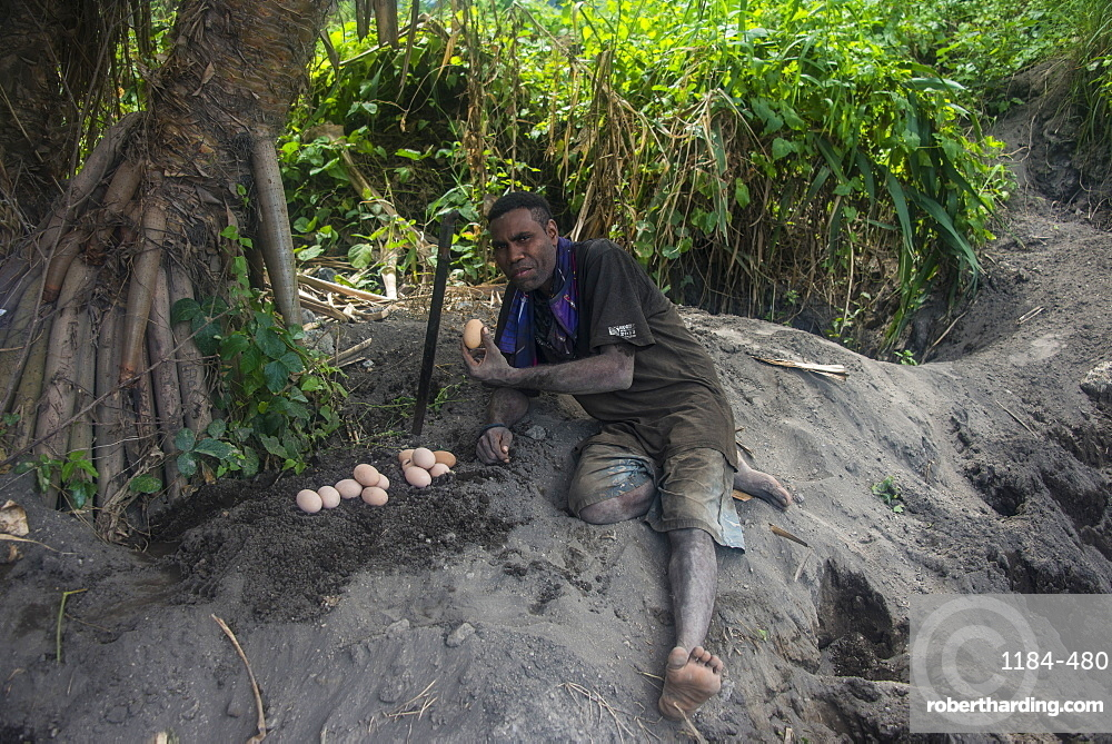 Megapode hunters hunting for eggs of the Megapode bird (Megapodiidae), East New Britain, Papua New Guinea, Pacific