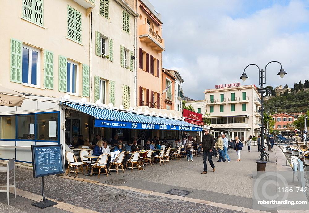 Cafe, Cassis, Bouches du Rhone, Provence, Provence-Alpes-Cote d'Azur, France, Europe