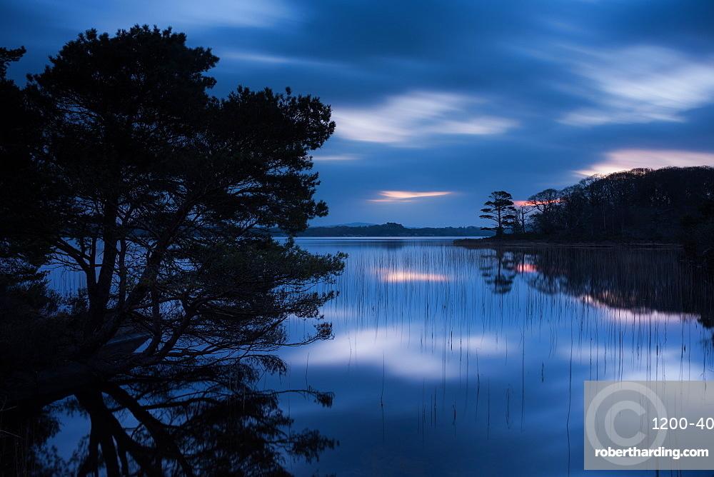 Muckross Lake at dawn, Lakes of Killarney, Killarney National Park, County Kerry, Munster, Republic of Ireland, Europe
