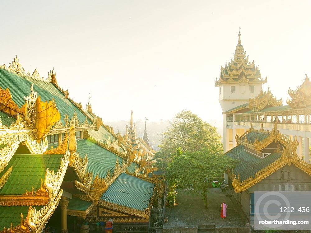 Shwedagon Pagoda, the most sacred Buddhist pagoda in Myanmar, Yangon (Rangoon), Myanmar (Burma), Asia