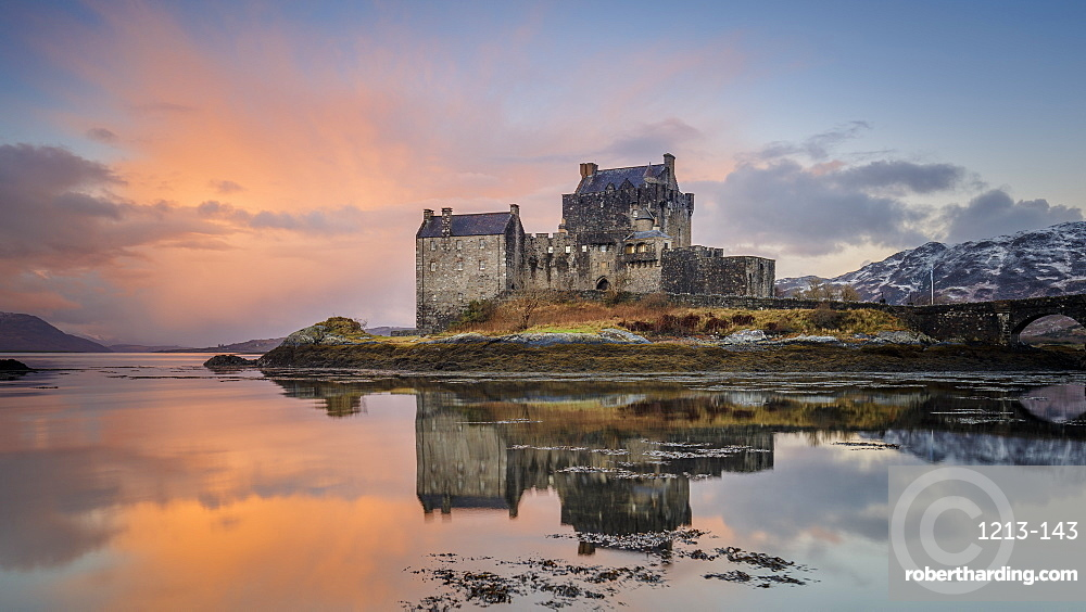Dawn at Eilean Donan Castle (Eilean Donnan) on Loch Duich, Dornie, Kyle of Lochalsh, Scottish Highlands, United Kingdom, Europe