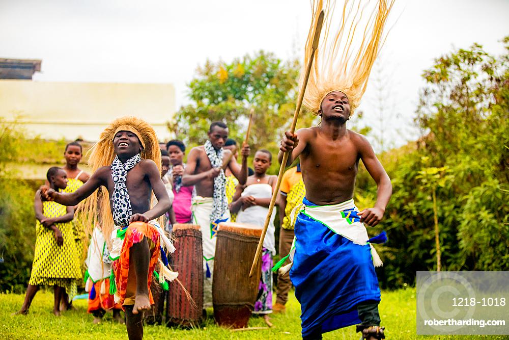 Dancers, Bwindi Impenetrable Forest National Park, Uganda, East Africa, Africa