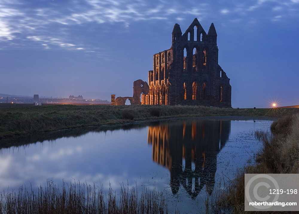 Whitby Abbey, a prominent landmark perched on the cliffs above Whitby and inspiration for Bram Stoker's Dracula, North Yorkshire, Yorkshire, England, United Kingdom, Europe