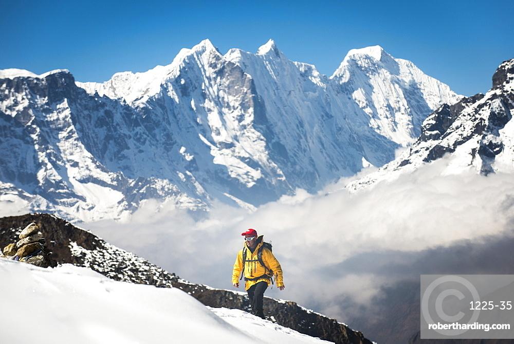 Trekking in the Everest region, Himalayas, Nepal, Asia